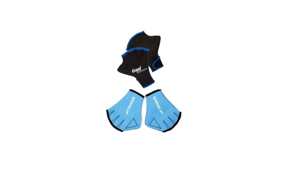 Deux modèles de gants palmés :  Swim Gloves (CRESSI) Speedo Aqua Gants